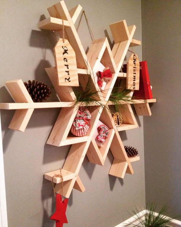 DIY snowflake shelf made from 1x4 boards